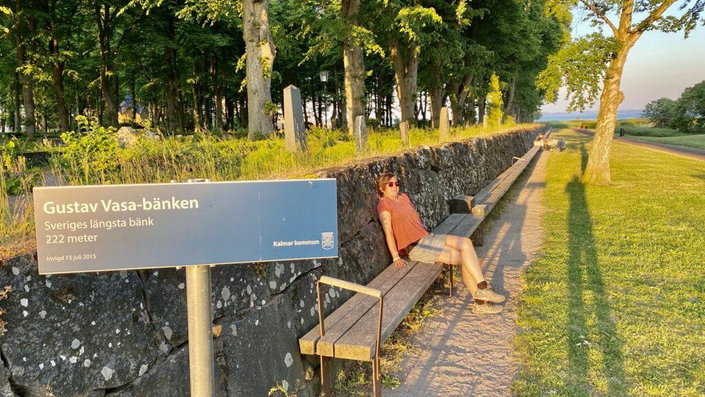 Göra i Kalmar - provsitt Sveriges längsta bänk