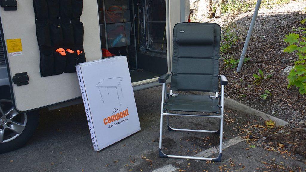 Ny koppling till husbilen samt nytt bord och nya stolat