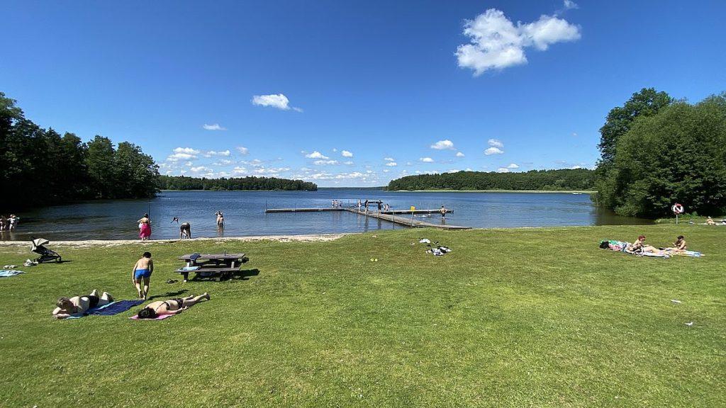 Svanberga badplats vid sjön Erken