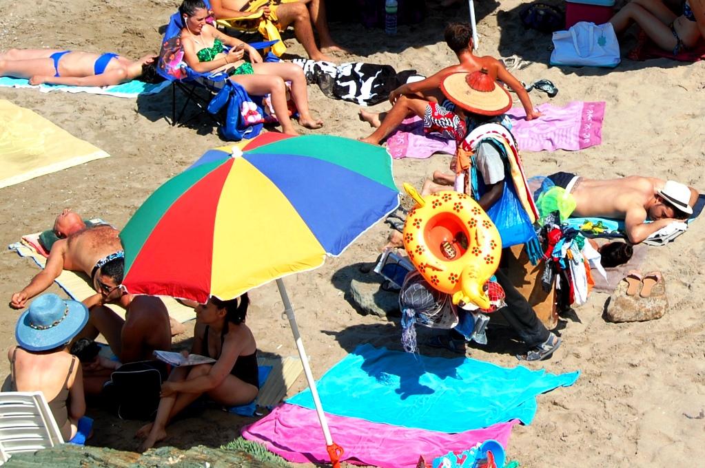 Försäljare på strand i Sardinien
