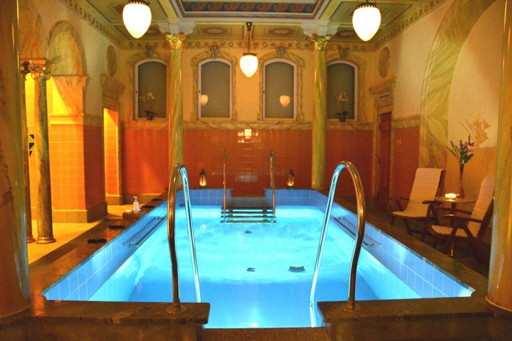 Turkiska badet på Sturebadet, med 10-gradigt vatten