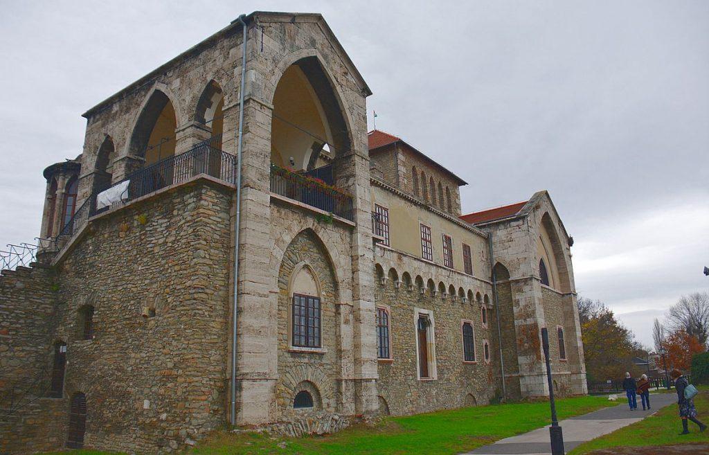 Tata i Ungern - slottet