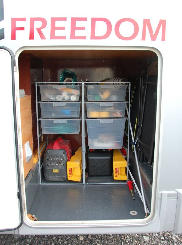 Ordning i husbilen med ett teknikrum