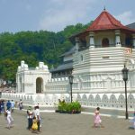 Den heliga staden Kandy i Sri lanka