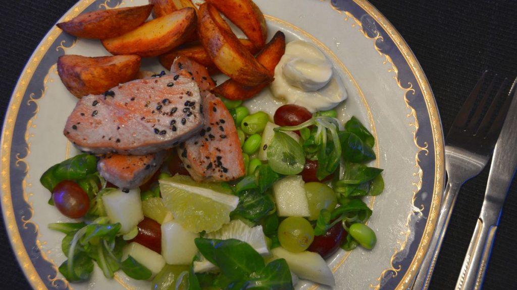 Tonfisk med vindruvssallad