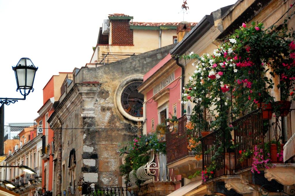 Varje hus, varje fönster och varje balkong har sin speciella charm