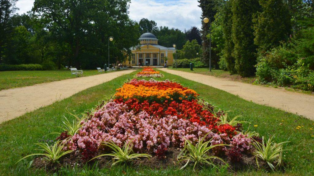 Trädgård Frantiskovy Lazne