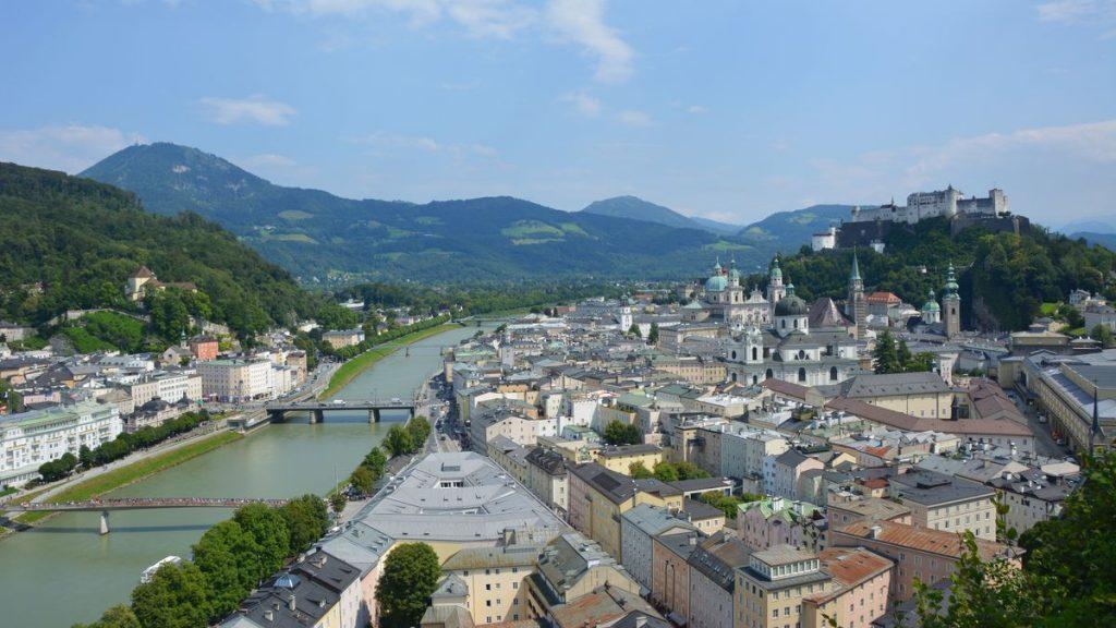 Utsikt över Salzburg i Österrike
