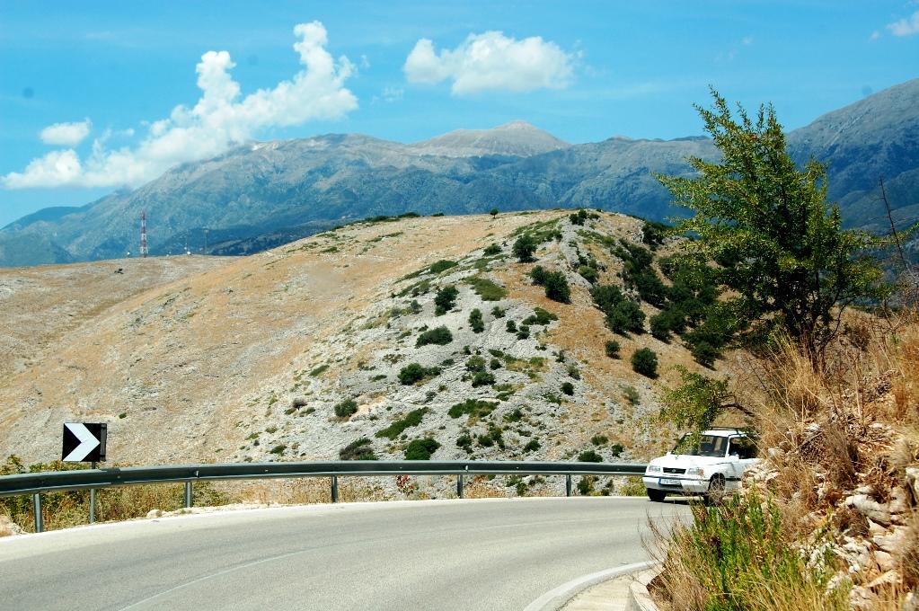 Vägar i Balkan: När mörkret faller blir de här vägarna kolsvarta