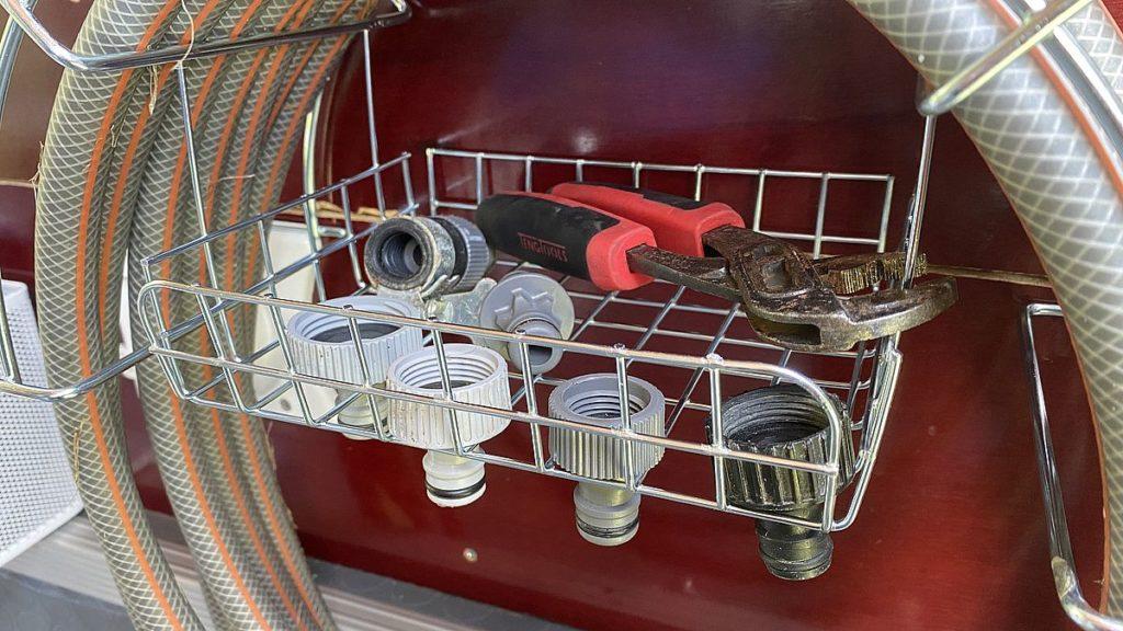Smarta lösningar i husbilen - vattenslang och kopplingar