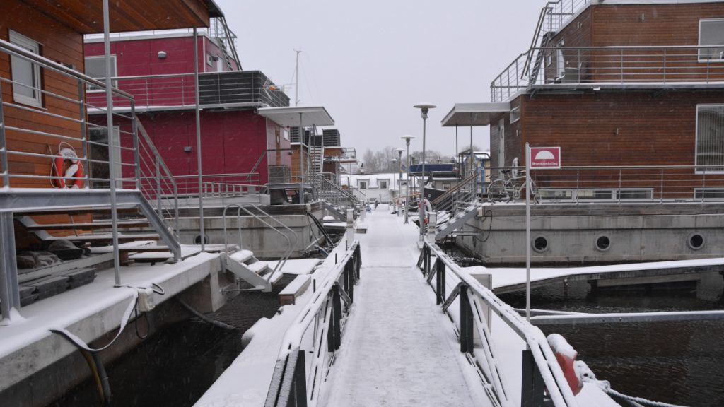 Bo i husbåt på vintern