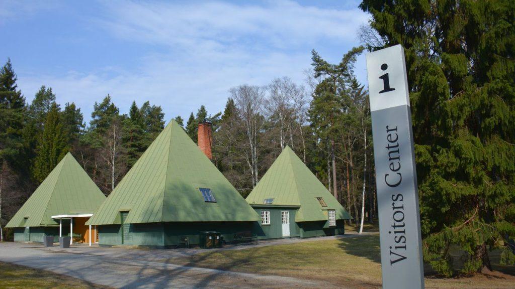 visitors center vid Skogskyrkogården i Stockholm