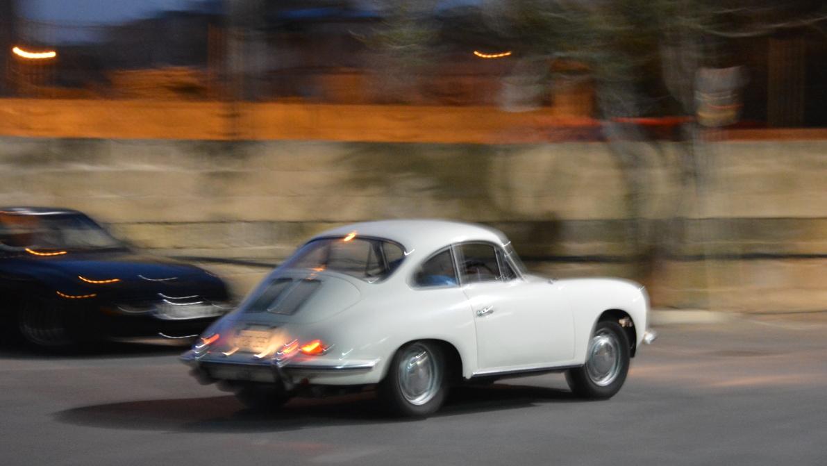 Vit Porsche