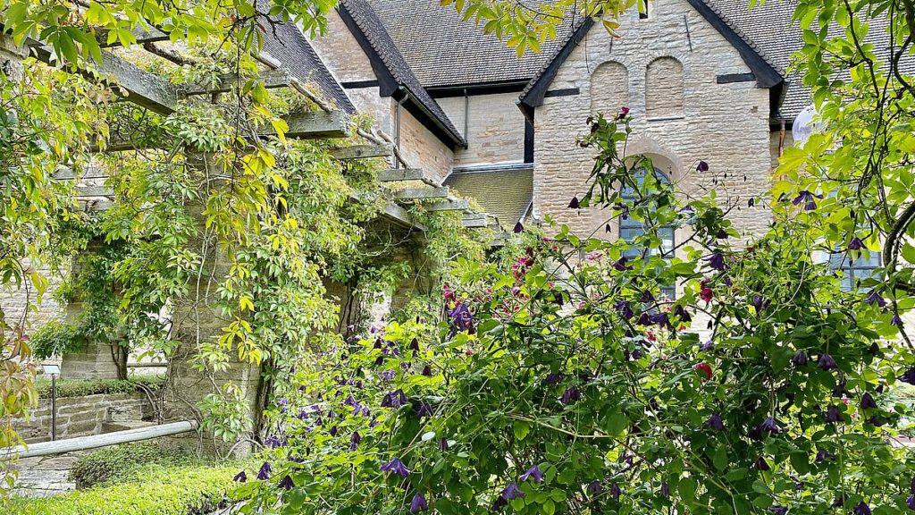 Vreta kloster och kyrka