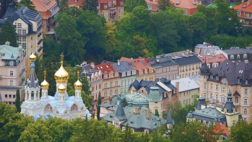 Vy över Karlovy Vary