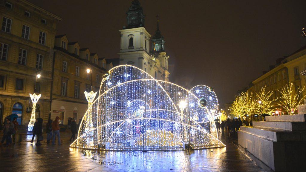 """Julbelysning längs med """"Royal Route"""" i Warszawa"""