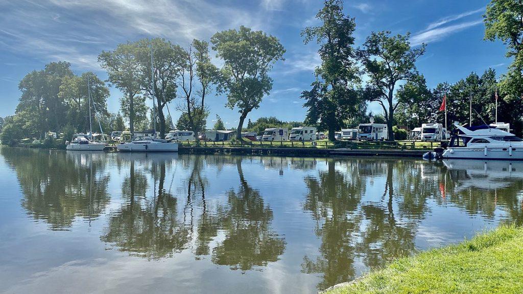 Göta kanal med husbil - Wassbackens camping