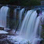 Keila vattenfall i Estland – och en romantisk park