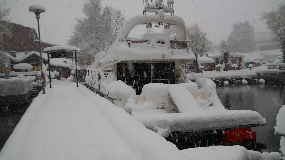 Fin båt, men kanske inte rätt väder för en båttur?