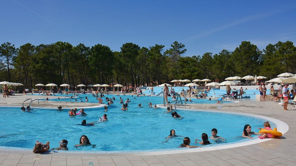 Poolområde Zaton Holiday Resort