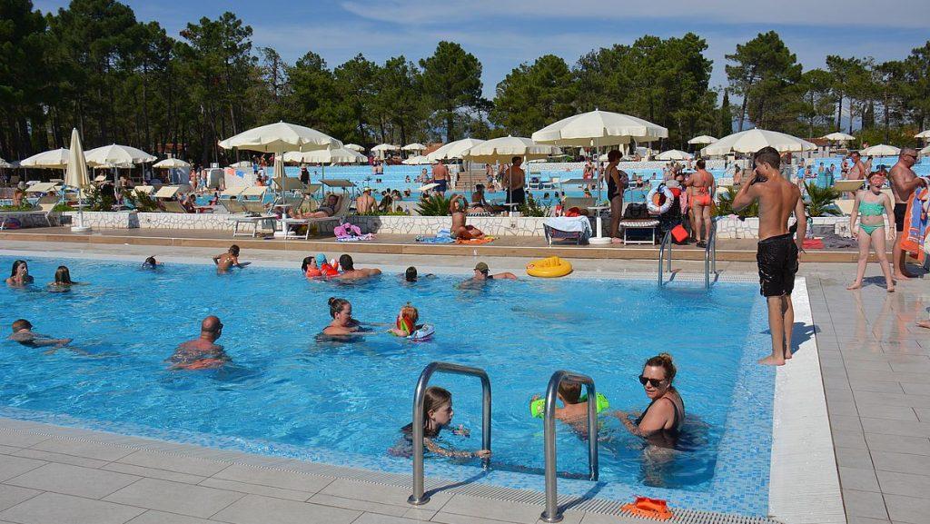 Zaton Holiday Resort pooler