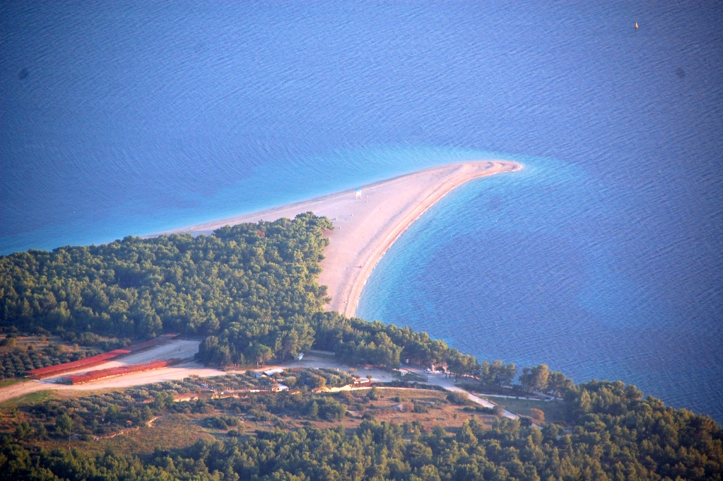 Stranden Zlatni Rat, sedd uppifrån