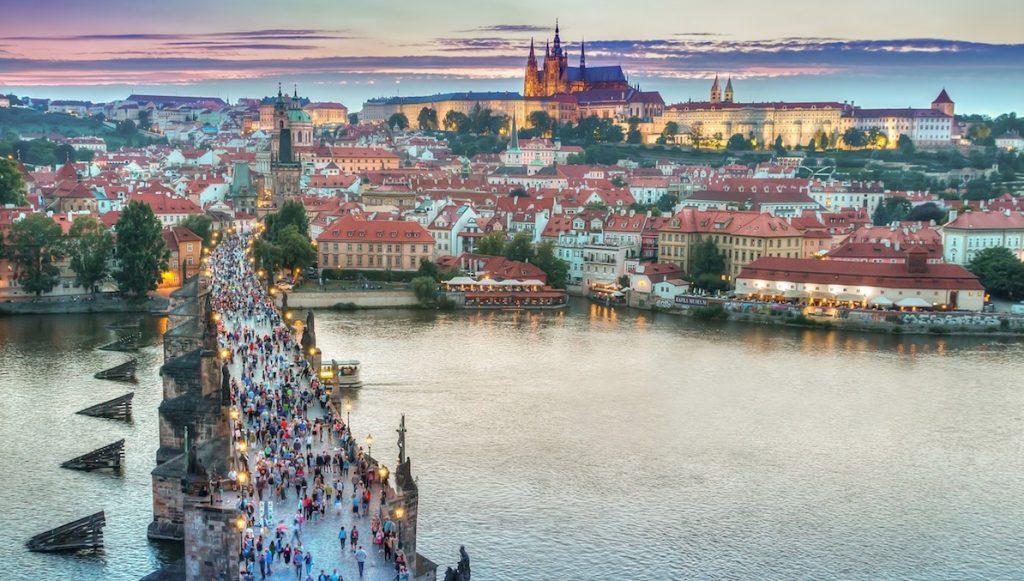 Karlsbron i Tjeckien
