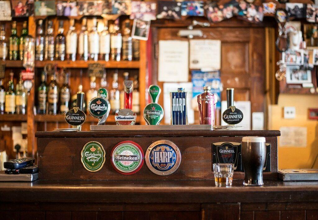 Pubar på Irland