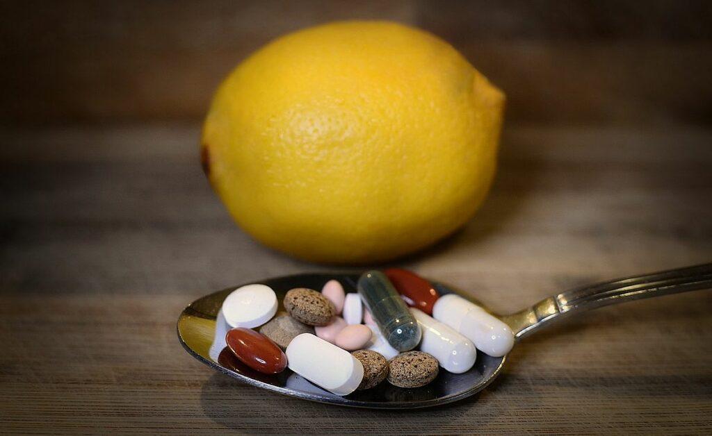 Vitaminer i frukt och i tabletter