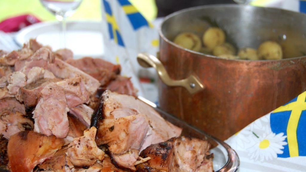Och till slut kom grisköttet fram på bordet