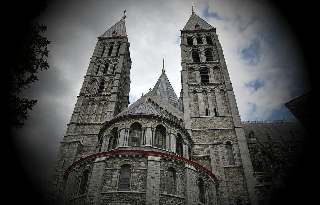 Notre Dame-katedralen i Tournai - Unesco världsarv i Belgien