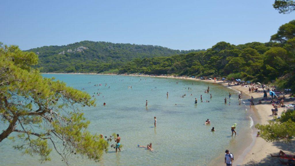 vacker strand i Frankrike